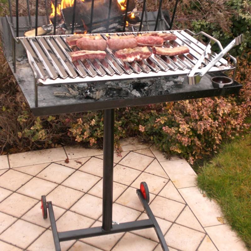 Barbecue a legna con griglia in acciaio inox 430