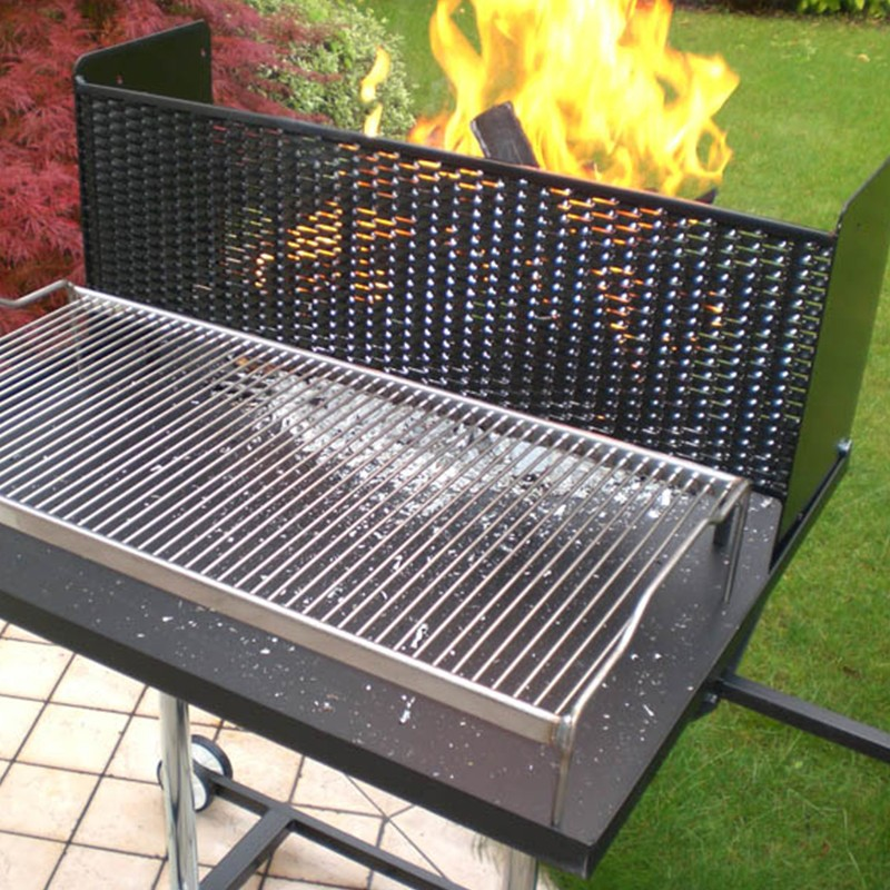 Lamiera strappata parascintille per barbecue